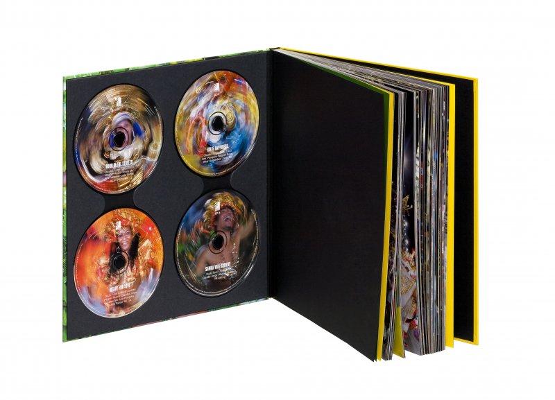 Ear Book. 4 levyä + kirja.